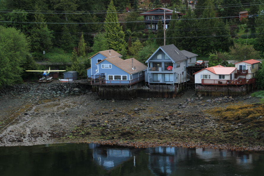 Homes and float plane at ketchikan alaska for Home builders alaska