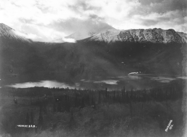 Sternwheeler Gleaner sailing between Conrad and Carcross, 1906.