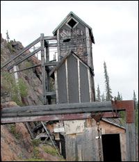 Contact Lake Mine headframe, Photo: Sharon Nelson, DIAND