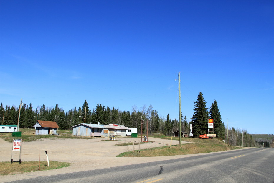 Lum N Abner S River Services Alaska Highway