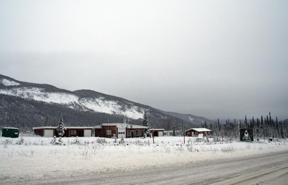 Rocky Mountain Lodge Alaska Highway
